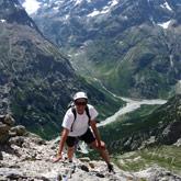 Entdecken Sie das Bergsteigen und Klettern mit einem Ausbilder oder diplomierten Bergführer.