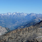 Discover Ecrins, Queyras and Arentiére (popular skiing destination) with your family.